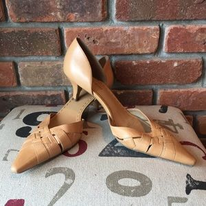 Gianni Bini Tan Leather Heel